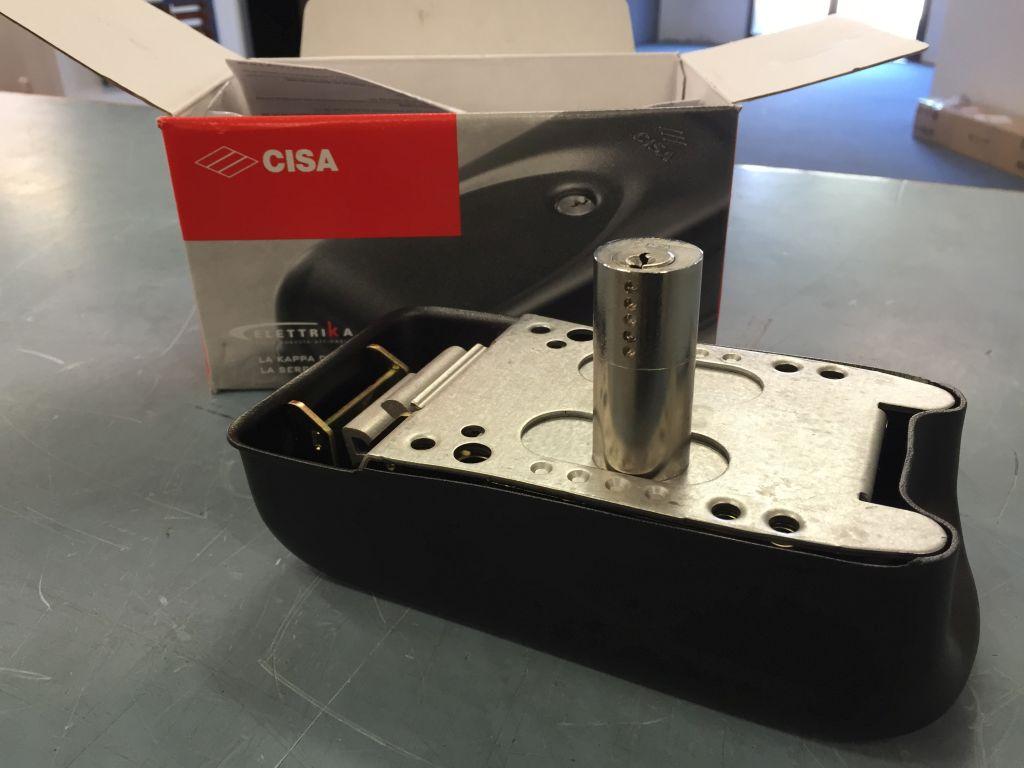CISA ELECTRIC LOCK TO SUIT XP GATE OPERATORS SUN-POWER 4